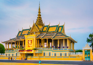 Moonlight Pavilion (Preah Thineang Chan Chhaya) of the Royal Palace, Phnom Penh, Cambodia, Indochinaの写真素材 [FYI03777750]