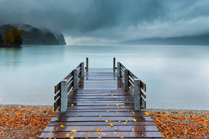 An autumn storm rolls in across Lake Brienz from the mountains of the Bernese Oberland, Canton of Beの写真素材 [FYI03777841]