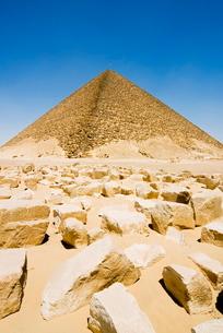 The Red Pyramid (Senefru Pyramid), Dahshur, near Cairoの写真素材 [FYI03777988]