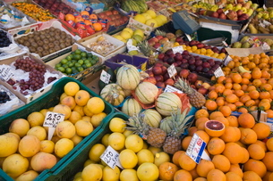 Fruit for sale, Padova, Venetoの写真素材 [FYI03778407]