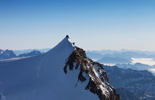 On Punta Gnifetti at 4554 m, Margherita Hut, Monte Rosa, Italian Alps, Piedmontの写真素材 [FYI03778457]