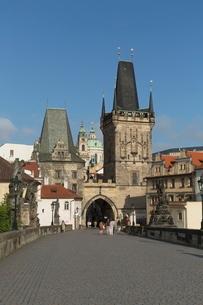 Old Town Bridge Tower from Charles Bridge, Pragueの写真素材 [FYI03778600]