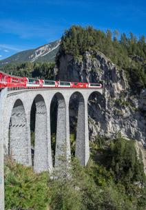 Landwasser Viadukt, Filisur, Graubunden, Swiss Alpsの写真素材 [FYI03778776]
