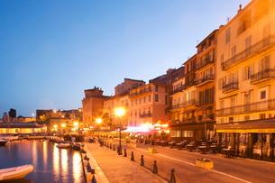 Villefranche sur Mer, Alpes Maritimes, Cote d'Azur, French Rivieraの写真素材 [FYI03778840]
