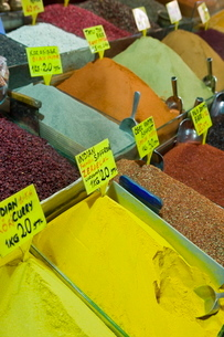 Spices for sale, Spice Bazaar, Istanbul, Turkey, Western Asiaの写真素材 [FYI03778936]