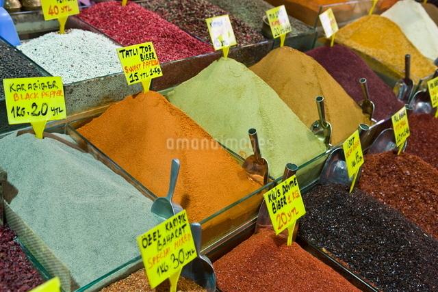 Spices for sale, Spice Bazaar, Istanbul, Turkey, Western Asiaの写真素材 [FYI03778938]