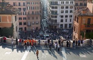 Via Condotti from the Spanish Steps, Rome, Lazioの写真素材 [FYI03778951]