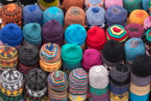 Traditional colourful woollen hats for sale in Rahba Kedima (Old Square), Marrakechの写真素材 [FYI03779015]