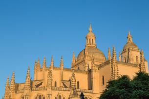 The imposing Gothic Cathedral of Segovia, Castilla y Leonの写真素材 [FYI03779285]