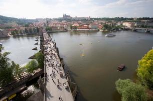 View of Charles Bridge, from Old Town Bridge Tower, River Vltava, Little Quarter Bridge Tower, Praguの写真素材 [FYI03779451]