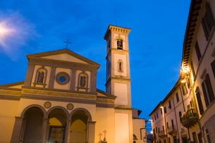 Duomo of Greve in Chianti, Tuscanyの写真素材 [FYI03779472]