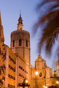 tower, el Miguelet, belfry, cathedral, evening light, Valencia, Costa del Azaharの写真素材 [FYI03779503]