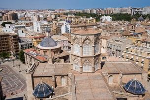 View from El Miguelet tower, Basilica de la Virgen de los Desamparados (Virgin of the Helpless), Plaの写真素材 [FYI03779530]