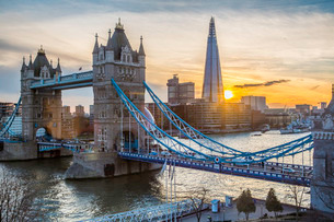 Tower Bridge, River Thames and the Shard in Londonの写真素材 [FYI03779795]