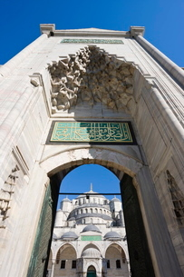 The Blue Mosque (Sultan Ahmet) in Sultanahmet, Istanbul, Turkeyの写真素材 [FYI03779844]