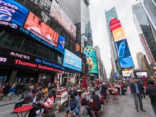 Times Square, Theatre District, Midtown, Manhattan, New York City, New York'の写真素材 [FYI03780118]