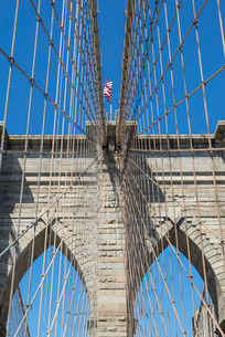 Brooklyn Bridge detail, Brooklyn, New York City, New York'の写真素材 [FYI03780209]