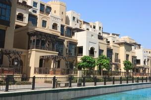 New Moorish style apartment buildings, Downtown Burj Dubai, Dubai, United Arab Emirates, Middle Eastの写真素材 [FYI03780247]