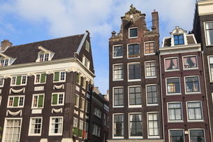Gabled houses dating from the 17th century, Amsterdam, Netherlandsの写真素材 [FYI03780281]