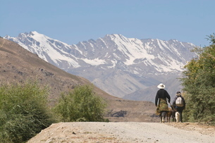 Farmers on their way home, Shokh Dara valley, the Pamirs, Tajikistanの写真素材 [FYI03780484]