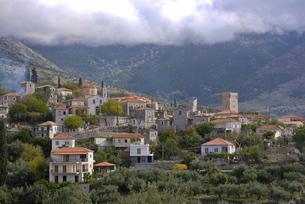 Little mountain village in the Lakonian Mani, Peloponneseの写真素材 [FYI03780509]