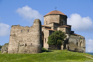 The church of Jvari, Mtskheta, Georgia, Caucasusの写真素材 [FYI03780532]