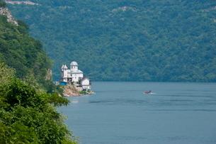 Portille de Fier (Iron gate), River Danube, Danube Valley, Romaniaの写真素材 [FYI03780629]