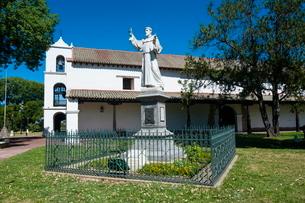Monastery on Plaza de las Tres Cultures, Santa Fe, capital of the province of Santa Feの写真素材 [FYI03780719]