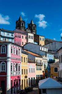 Colonial architecture in the Pelourinho, Salvador da Bahia, Bahia, Brazilの写真素材 [FYI03780783]