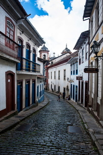Historical houses in the old mining town of Ouro Preto, MInas Gerais, Brazilの写真素材 [FYI03780803]