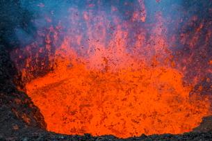Active lava eruption on the Tolbachik volcano, Kamchatka, Russia, Eurasiaの写真素材 [FYI03780867]