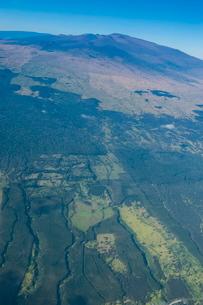 Aerial of Mauna Kea, Big Island, Hawaiiの写真素材 [FYI03780972]