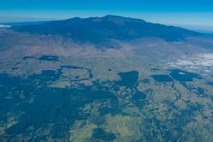 Aerial of Mauna Kea, Big Island, Hawaiiの写真素材 [FYI03780973]