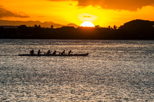 Evening rowing in the bay of Apia, Upolu, Samoa, South Pacificの写真素材 [FYI03781404]