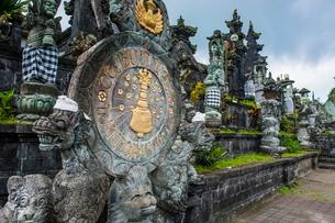 Pura Besakih temple complex, Bali, Indonesia, Southeast Asiaの写真素材 [FYI03781419]