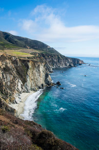 The rocky coast of the Big Sur near Bixby bridge, California, USAの写真素材 [FYI03781661]
