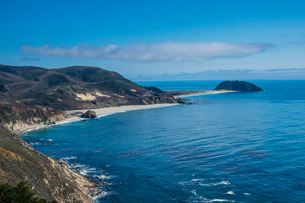 Sandy beaches near Point Sur State park, Big Sur, California, USAの写真素材 [FYI03781662]
