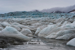 Huge glacier in Hornsund, Svalbard, Arctic, Norway, Scandinaviaの写真素材 [FYI03781709]