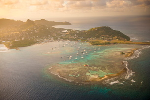 Aerial of Union Island at sunset, The Grenadines, St. Vincent and the Grenadines. Windward Islands,の写真素材 [FYI03781875]