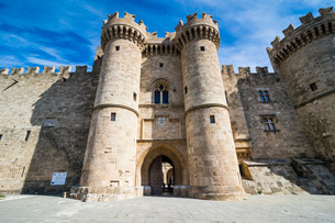 Palace of the Grand Master, the Medieval Old Town, City of Rhodes, Rhodes, Dodecanese Islands, Greekの写真素材 [FYI03781944]