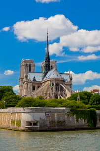 Notre Dame Cathedral and River Seine, Parisの写真素材 [FYI03782147]