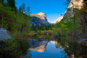 Mirror Lake, Yosemite National Parkの写真素材 [FYI03782158]