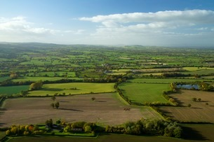 View of Shropshire countryside from the top of Lawley, Shropshire Hills, Shropshireの写真素材 [FYI03782394]