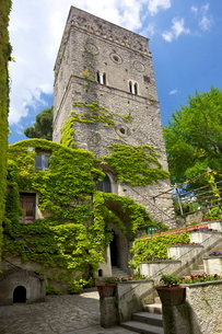 The 11th Century Tower in Villa Rufolo Gardens, Ravello, Amalfi Coast, Campaniaの写真素材 [FYI03782401]