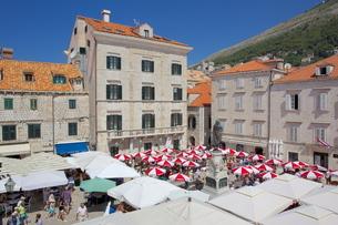 Market, Gunduliceeva Poljana, Dubrovnik, Dalmatiaの写真素材 [FYI03782564]