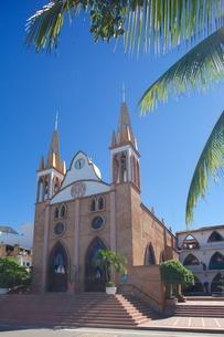 Talpa Church, Puerto Vallarta, Jalisco, Mexico'の写真素材 [FYI03782669]