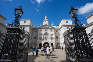 Entrance to Horse Guards Parade, Whitehall, Westminsterの写真素材 [FYI03782780]