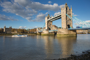 Tower Bridge and River Thamesの写真素材 [FYI03782787]