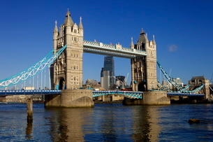 Tower Bridge and the River Thamesの写真素材 [FYI03783074]