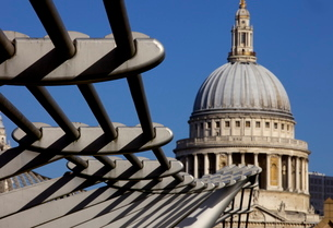St. Pauls Cathedral and the Millennium Bridgeの写真素材 [FYI03783075]